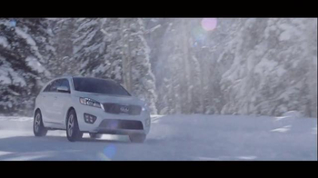 2016 Kia Sorento Super Bowl 2015 TV Spot, 'The Perfect Getaway' - Thumbnail 4