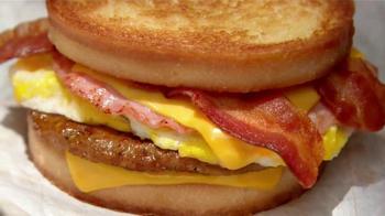 Jack in the Box Loaded Breakfast Sandwich TV Spot, 'Tu Buffet' [Spanish] - Thumbnail 9