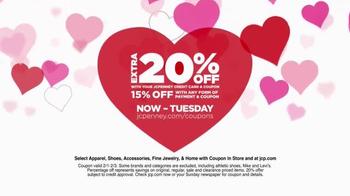 JCPenney Big Sunday Sale TV Spot, 'Valentine's Gift' - Thumbnail 4