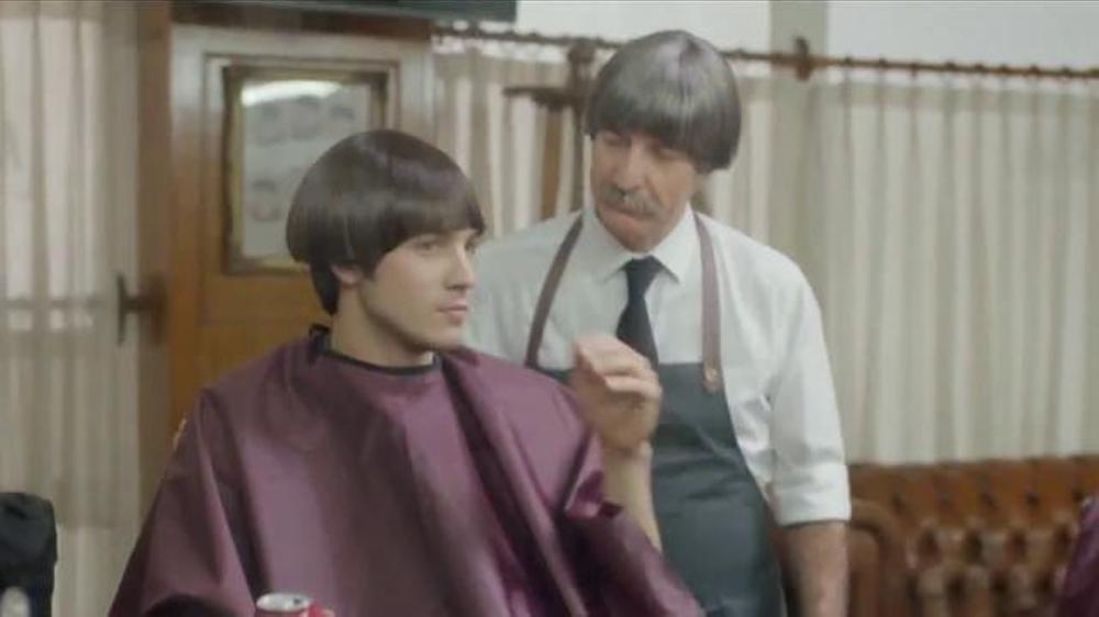 Dr Pepper TV Commercial, '??nico Recorte de Valoraci??n' Letra por Alt-J