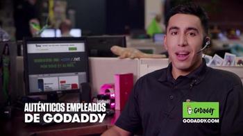GoDaddy TV Spot, 'El Derecho de Dominio de Internet' [Spanish] - Thumbnail 1