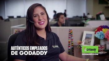 GoDaddy TV Spot, 'El Derecho de Dominio de Internet' [Spanish] - Thumbnail 2