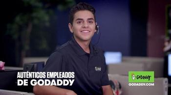 GoDaddy TV Spot, 'El Derecho de Dominio de Internet' [Spanish] - Thumbnail 5