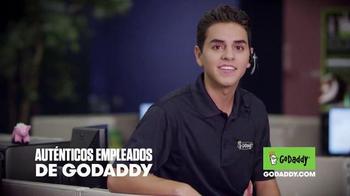 GoDaddy TV Spot, 'El Derecho de Dominio de Internet' [Spanish] - Thumbnail 7