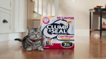 Arm and Hammer Pet Care Clump & Seal TV Spot, 'Lightweight' - Thumbnail 2