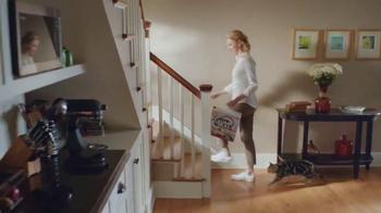 Arm and Hammer Pet Care Clump & Seal TV Spot, 'Lightweight' - Thumbnail 4