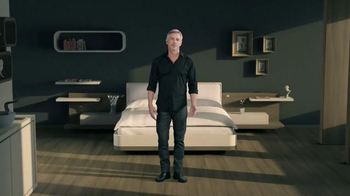 trivago TV Spot, 'Time and Money' - Thumbnail 4