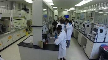 Bayer TV Spot, 'Making Science Make Sense Program' - Thumbnail 6