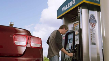 Valero Credit Card TV Spot, 'Money in the Tank' - Thumbnail 1
