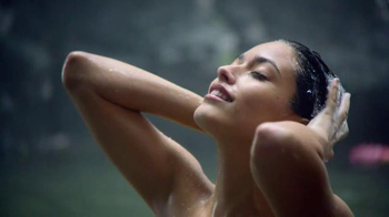Herbal Essences Wild Naturals TV Spot, 'Take Your Hair to Paradise' - Thumbnail 3