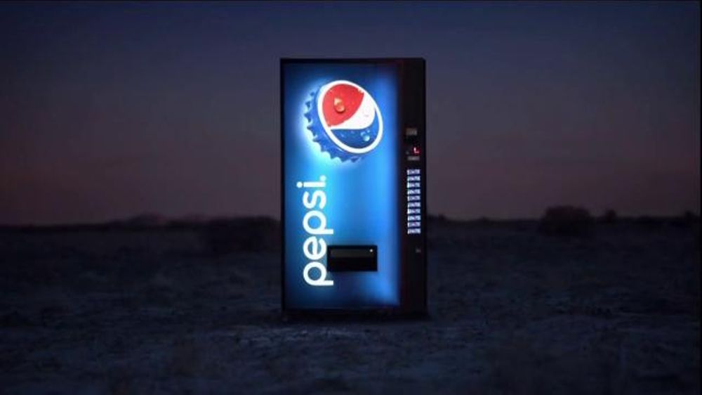 Pepsi: Halftime Touches Down