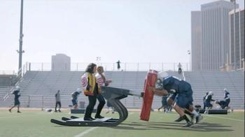 GEICO Super Bowl 2015 TV Spot, 'Push It: It's What You Do' Ft. Salt-N-Pepa - Thumbnail 7
