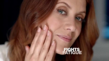 Garnier Ultra-Lift Sleeping Cream TV Spot, 'Sleep on This' Feat. Kate Walsh - Thumbnail 3