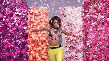 Maybelline New York Rebel Bloom TV Spot, 'Pastel Rebel' - Thumbnail 7