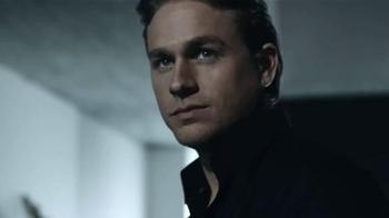 Calvin Klein TV Spot, 'Reveal' Featuring Charlie Hunnam & Doutzen Kroes - Thumbnail 4