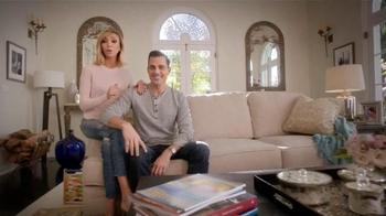 Ashley Furniture President's Day TV Spot, 'Red Carpet' Ft. Giuliana Rancic - Thumbnail 2