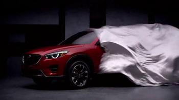 2016 Mazda CX-5 TV Spot, 'Magic Show' Featuring Penn & Teller - Thumbnail 3