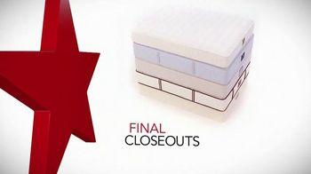 Macy's Presidents' Day Mattress Sale TV Spot, 'Final Closeout Mattresses'