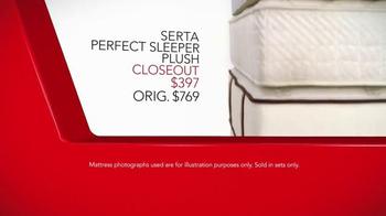 Macy's Presidents' Day Mattress Sale TV Spot, 'Final Closeout Mattresses' - Thumbnail 6