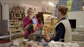 Ally Bank TV Spot, 'Facts of Life: Shopping' - Thumbnail 6