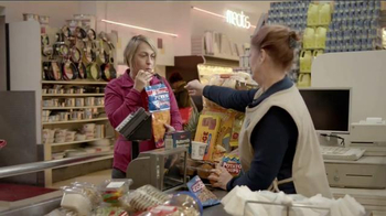 Ally Bank TV Spot, 'Facts of Life: Shopping' - Thumbnail 7