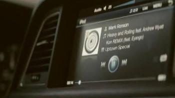 Hyundai TV Spot , 'Grammy Amplifier' Featuring Mark Ronson and Eyango - Thumbnail 3