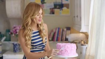 Almay Smart Shade Butter Kiss TV Spot, 'Guilt-Free' Ft. Carrie Underwood - Thumbnail 2