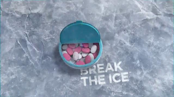 Ice Breakers Duo Fruit + Cool TV Spot, 'Melon Louge' Song by Vanilla Ice - Thumbnail 9