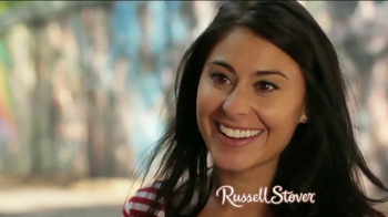Russell Stover TV Spot, 'Valentine's Day: Heart-Shaped Box' - Thumbnail 3