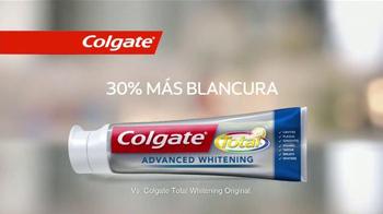 Colgate Total Advanced Whitening TV Spot Con Karla Martínez [Spanish] - Thumbnail 9
