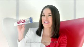 Colgate Total Advanced Whitening TV Spot Con Karla Martínez [Spanish] - Thumbnail 4