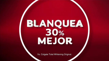 Colgate Total Advanced Whitening TV Spot Con Karla Martínez [Spanish] - Thumbnail 6