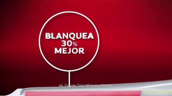 Colgate Total Advanced Whitening TV Spot Con Karla Martínez [Spanish] - Thumbnail 7