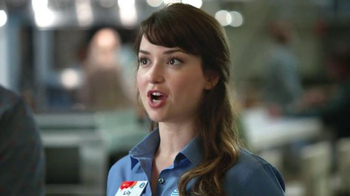 AT&T Best-Ever Family Pricing TV Spot, 'Food Court' - Thumbnail 3