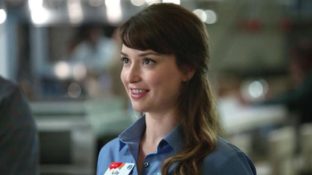 AT&T Best-Ever Family Pricing TV Spot, 'Food Court' - Thumbnail 4