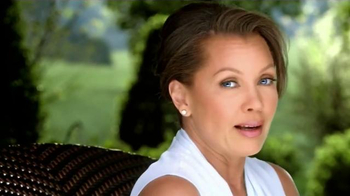 Clear Eyes TV Spot, 'The Outdoors' Featuring Vanessa Williams - Thumbnail 1