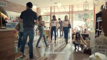 Go Daddy TV Spot, 'Pet Shop' [Spanish] - Thumbnail 8