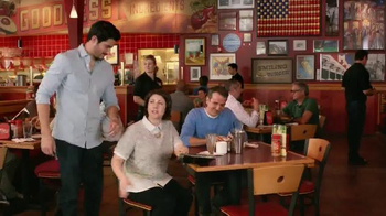 Red Robin Gourmet Burgers TV Spot, 'Two Dates' - Thumbnail 3