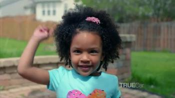 TrueCar TV Spot, 'The Picketts: Vancation' - Thumbnail 8