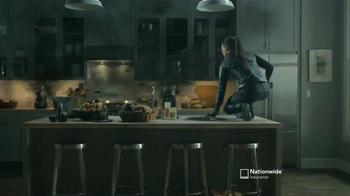 Nationwide Insurance TV Spot, 'Pertenencias'Letra por Gin Wigmore [Spanish] - Thumbnail 5