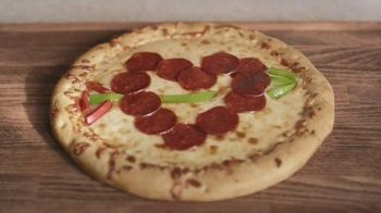 DiGiorno Design A Pizza Kit TV Spot, 'Smiley Face' - Thumbnail 6