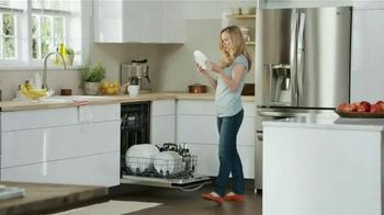 LG Appliances TV Spot, 'Mom Confessions: So Clean' - Thumbnail 3