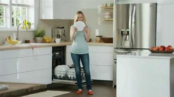 LG Appliances TV Spot, 'Mom Confessions: So Clean' - Thumbnail 4