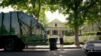 KeyBank Hassle-Free Account TV Spot, 'Garbage Truck'
