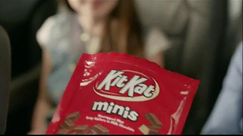 KitKat TV Spot, 'Break Time All Over Town' - Thumbnail 3