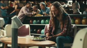 Fiber One Oats & Chocolate TV Spot, 'Bowling Alley' - Thumbnail 1