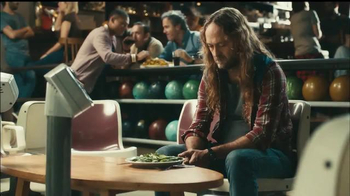 Fiber One Oats & Chocolate TV Spot, 'Bowling Alley' - Thumbnail 2