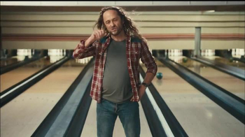 Fiber One Oats & Chocolate TV Spot, 'Bowling Alley' - Thumbnail 7