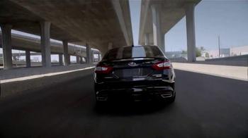 2015 Ford Fusion TV Spot, 'Good Looks' - Thumbnail 10