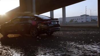 2015 Ford Fusion TV Spot, 'Good Looks' - Thumbnail 9